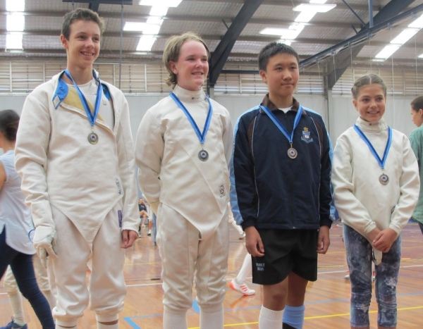 dylan-huynh-roberta-nutt-u13-epee-bronze